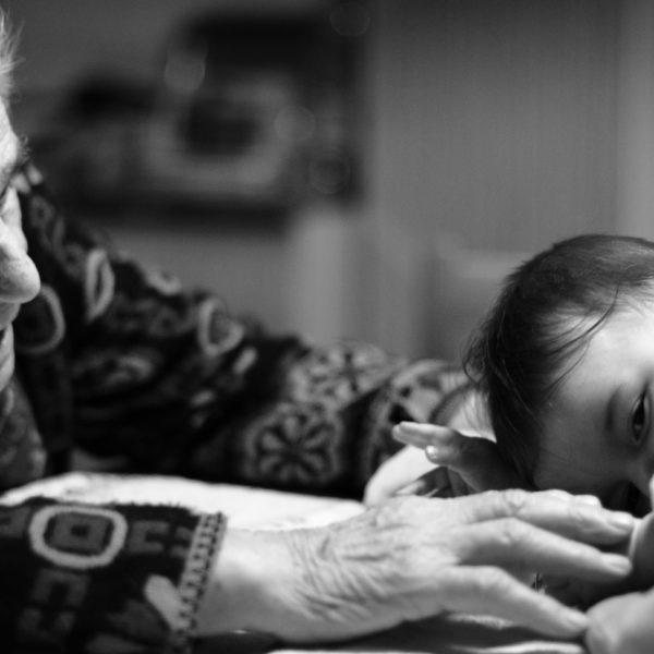 """La festa dei nonni nella stagione dei vaccini. Conversano (HappyAgeing): """"Prendersi cura di loro è anche garantire il diritto alla vaccinazione"""""""