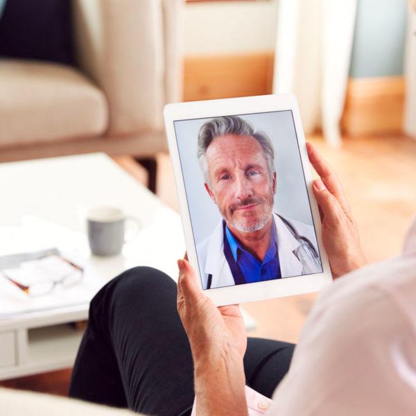 Coronavirus, Confederazione Parkinson Italia e Parkinsoncare danno il via alla teleassistenza infermieristica gratuita alle persone con parkinson
